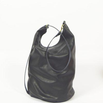 Schwarze Leder-Umhängetasche