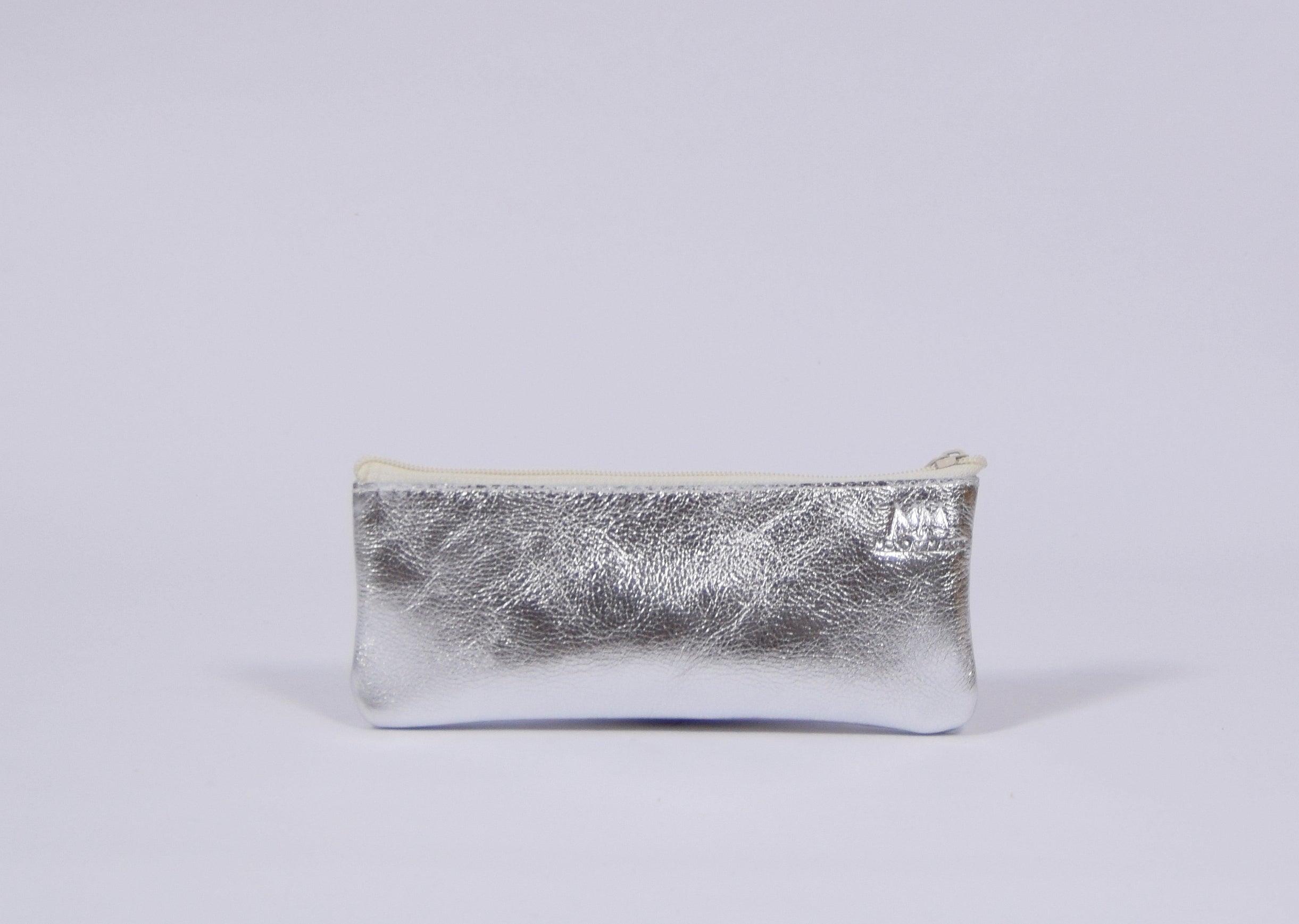 Silbernes Leder-Mäppchen