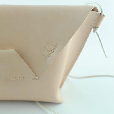Cremefarbene Leder-Handtasche