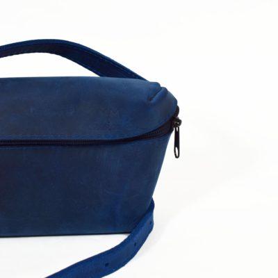 Blaue Leder-Bauchtasche