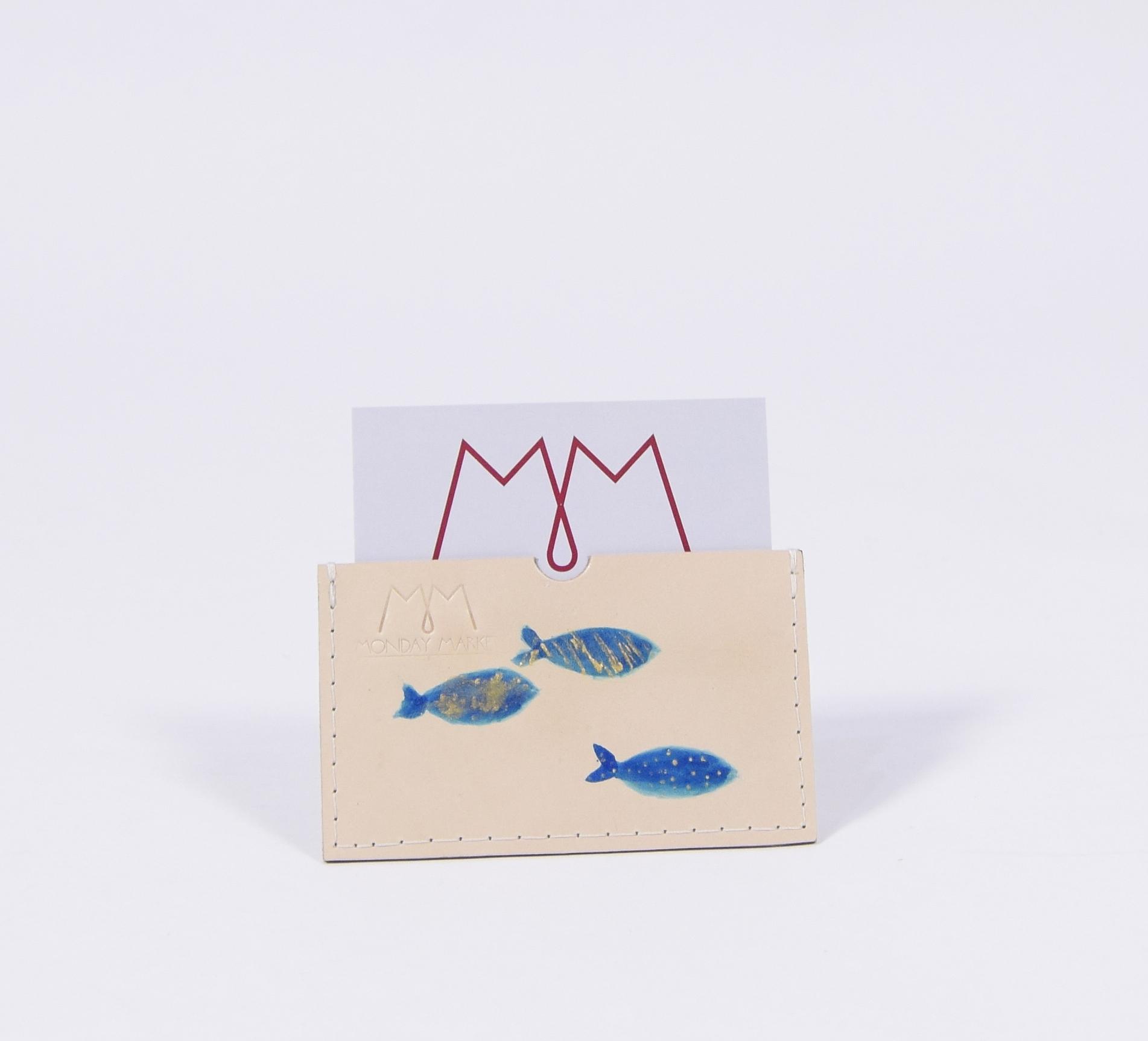Handbemaltes EC-Karten-Etui aus Leder mit Fisch-Motiv